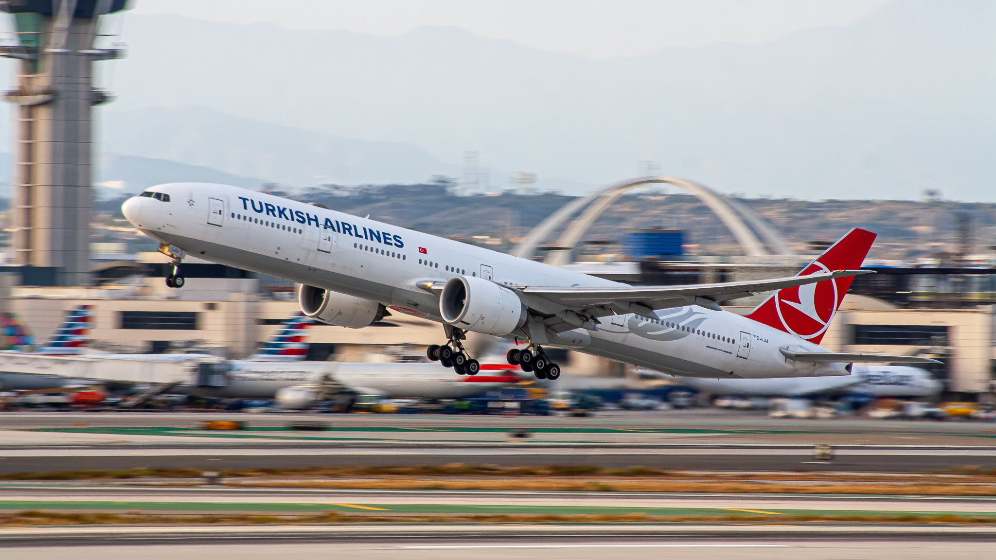 Photo of TC-LJJ - Turkish Airlines Boeing 777-300ER at LAX