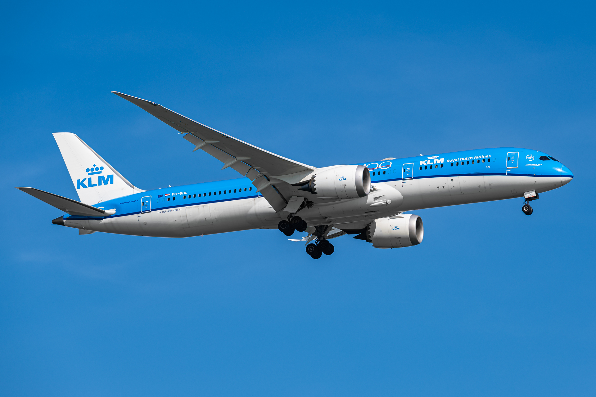 Photo of PH-BHL - KLM Boeing 787-9 at SIN