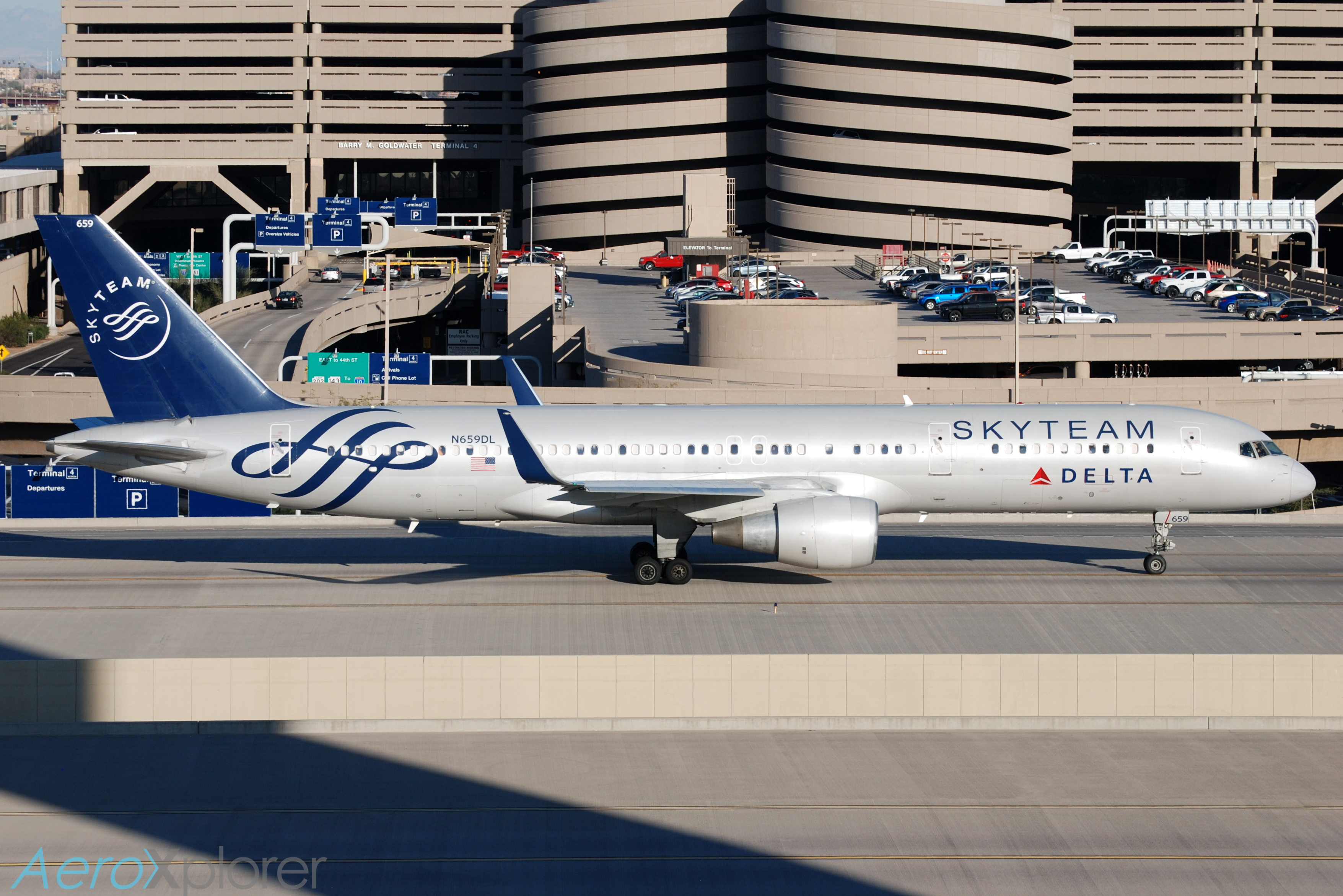 Photo of N659DL - Delta Airlines Boeing 757-200 at PHX