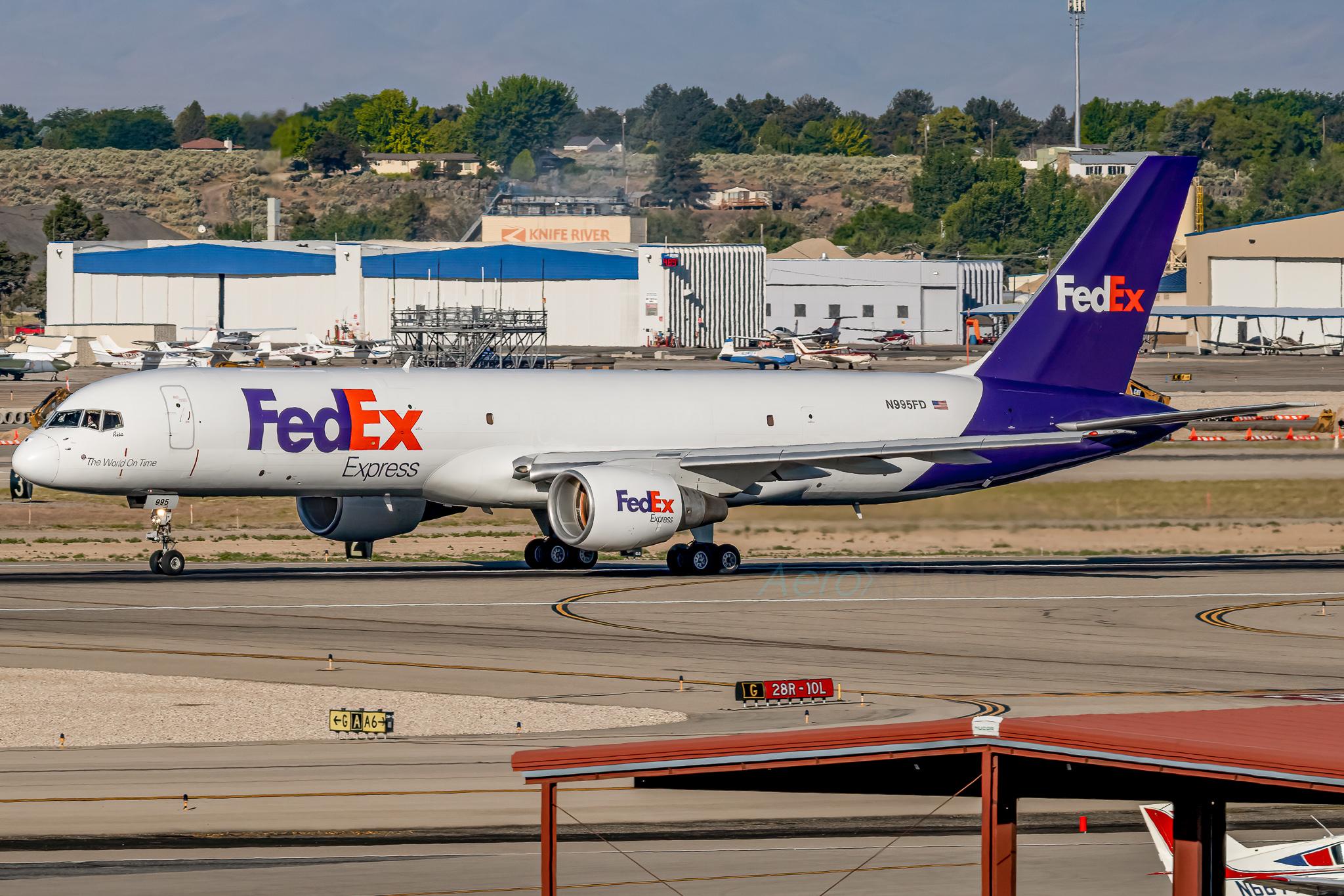 Photo of N995FD - FedEx Boeing 757-200F at BOI