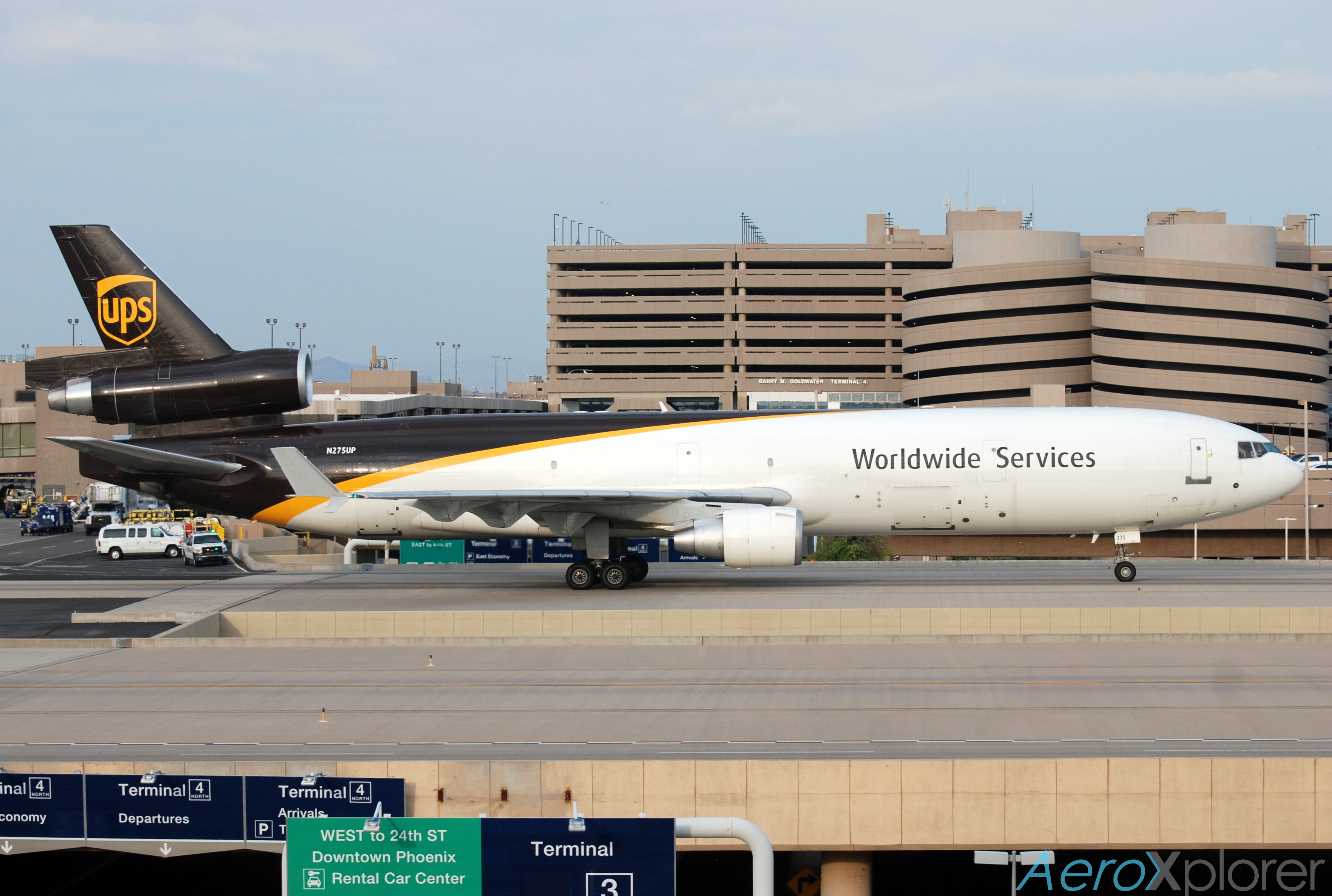 Photo of N275UP - United Parcel Service McDonnell Douglas MD-11F at PHX