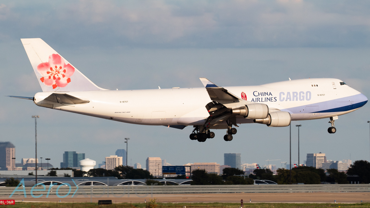 Photo of B-18707 - China Airlines Cargo Boeing 747-400F at DFW