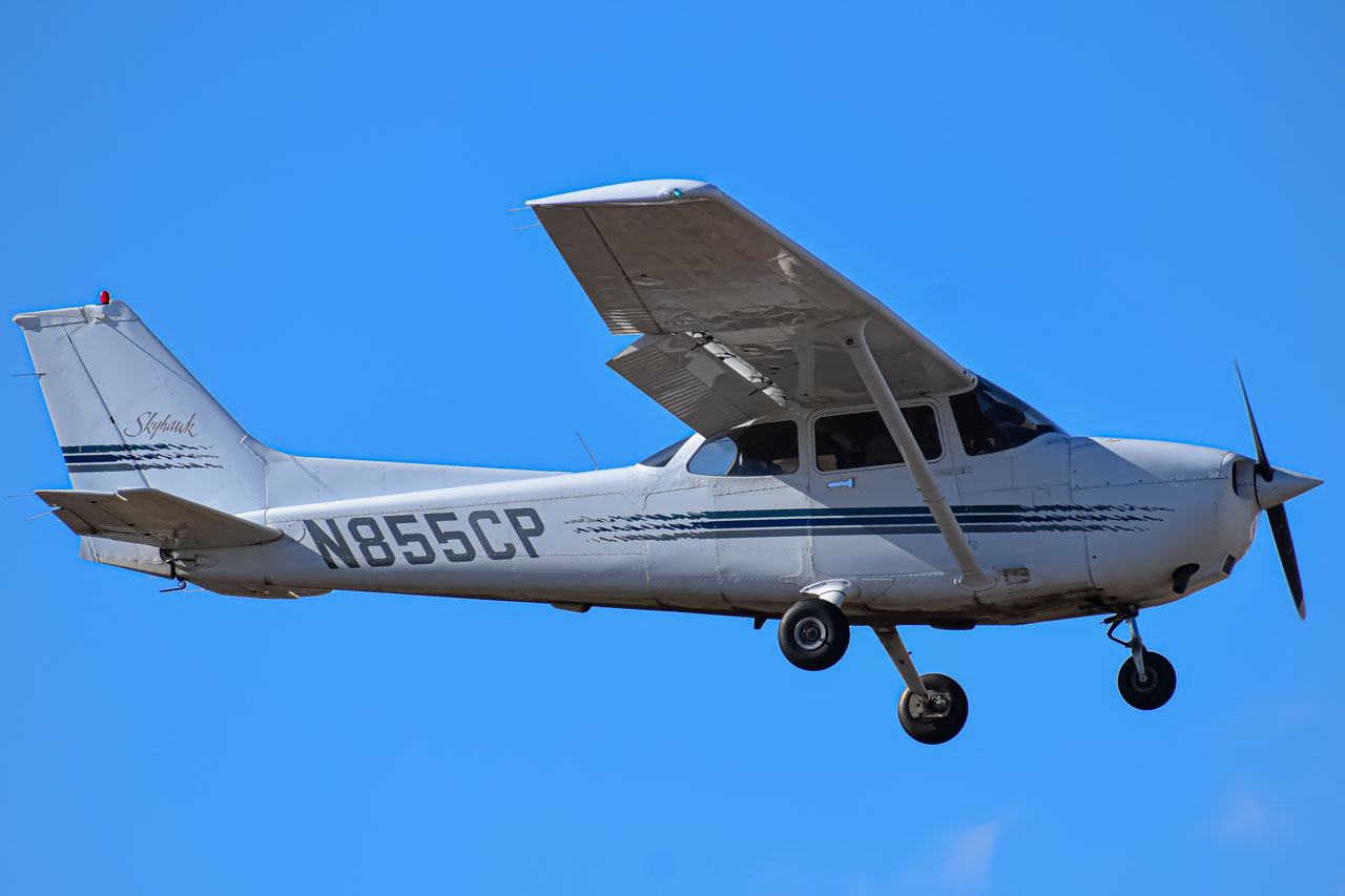 Photo of N855CP - PRIVATE Cessna 172 at LMO
