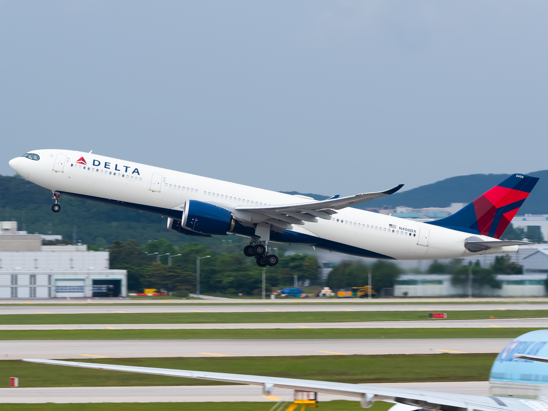 Photo of N406DX - Delta Airlines Airbus A330-900 at ICN