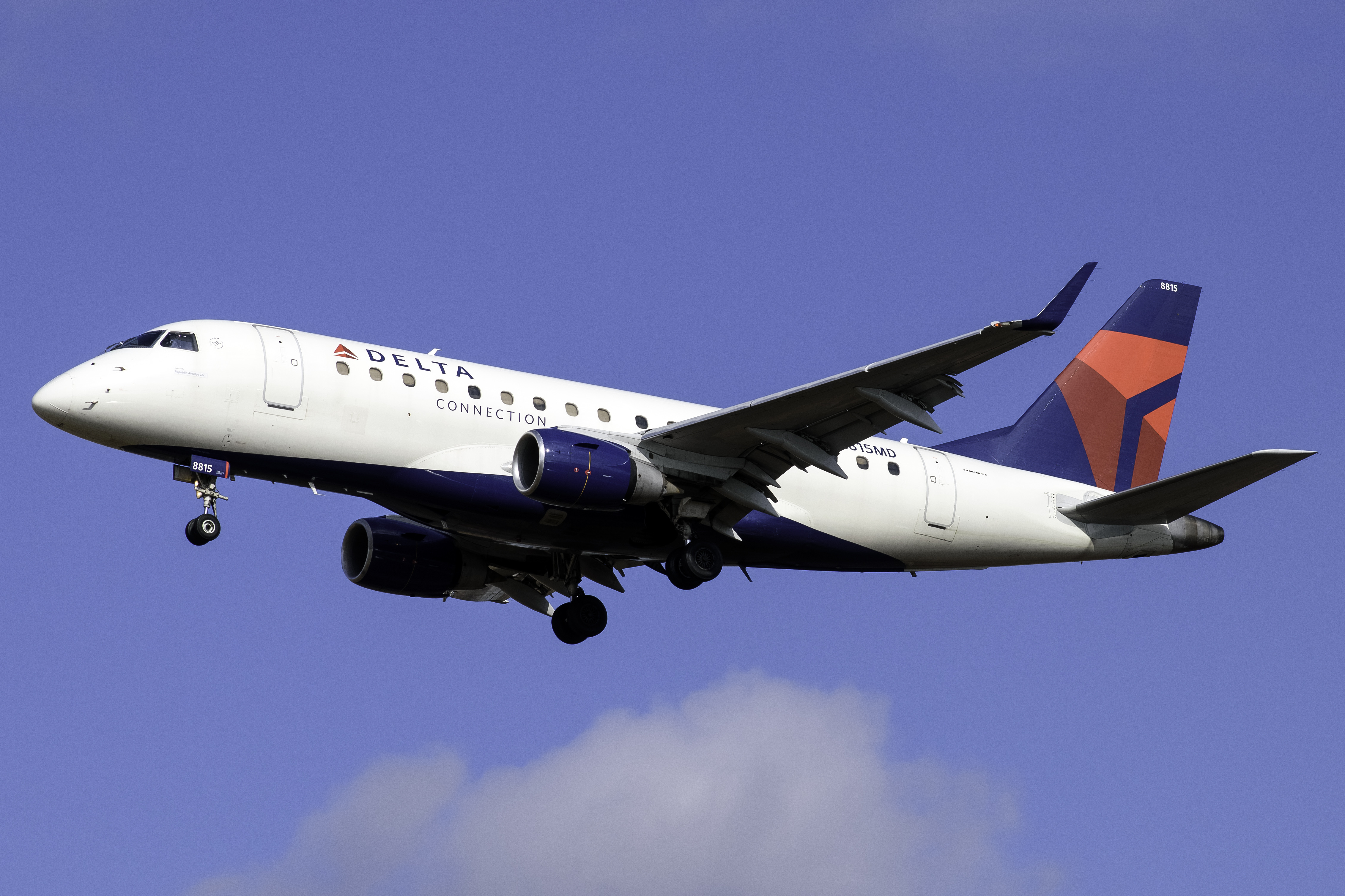 Photo of N815MD - Delta Connection Embraer E170 at PHL