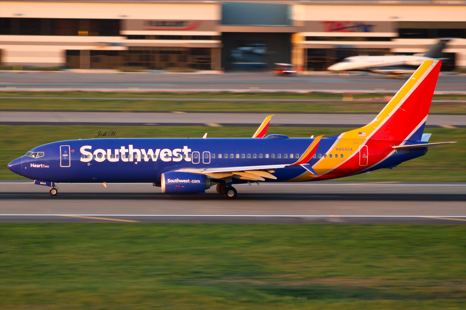 Photo of N8645A - Southwest Airlines Boeing 737-800 at DAL