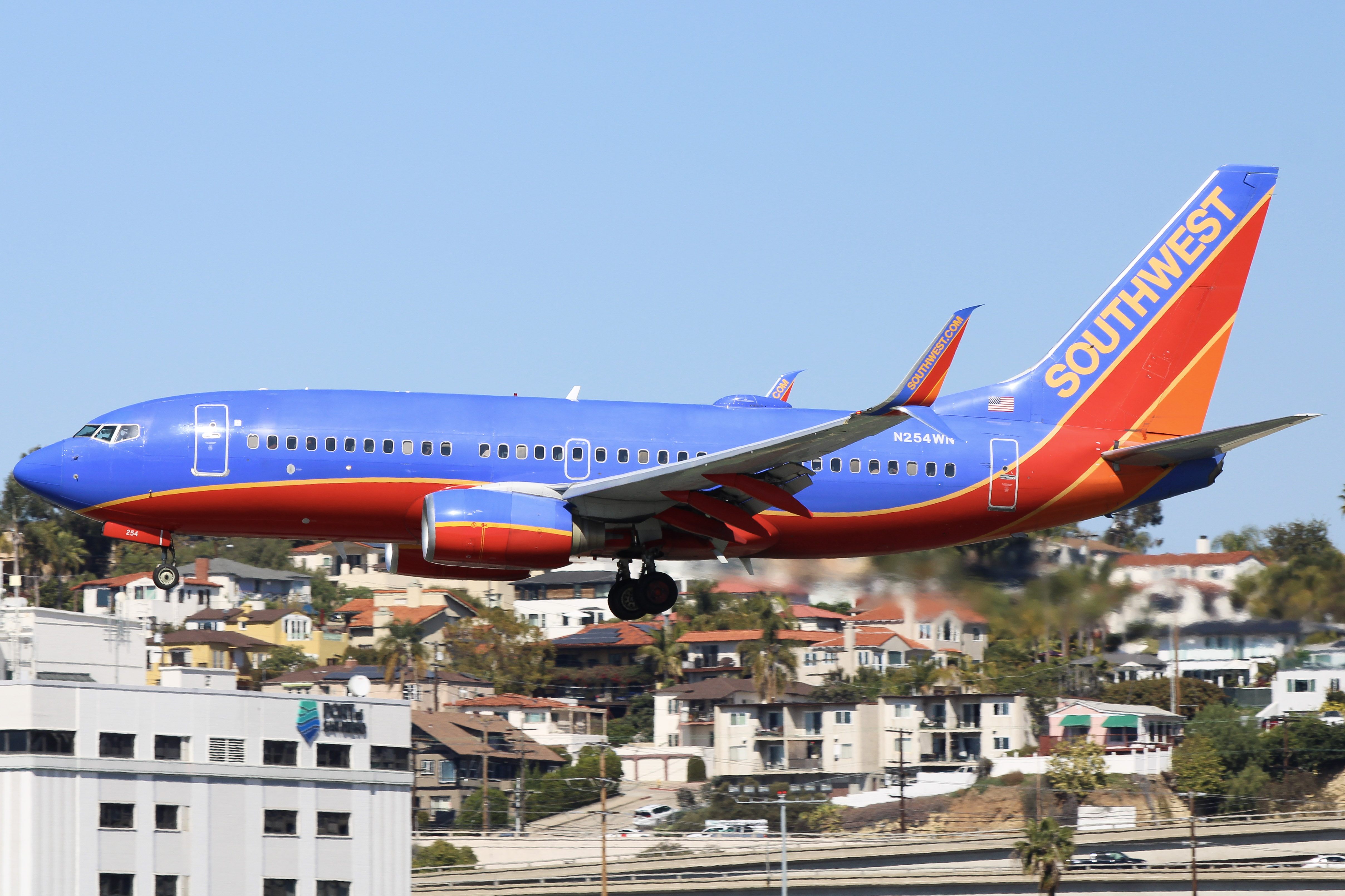 Photo of N254WN - Southwest Airlines Boeing 737-700 at SAN