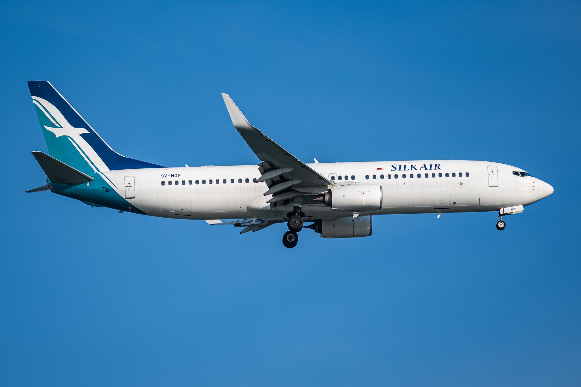 Photo of 9V-MGP - SilkAir Boeing 737-800 at SIN