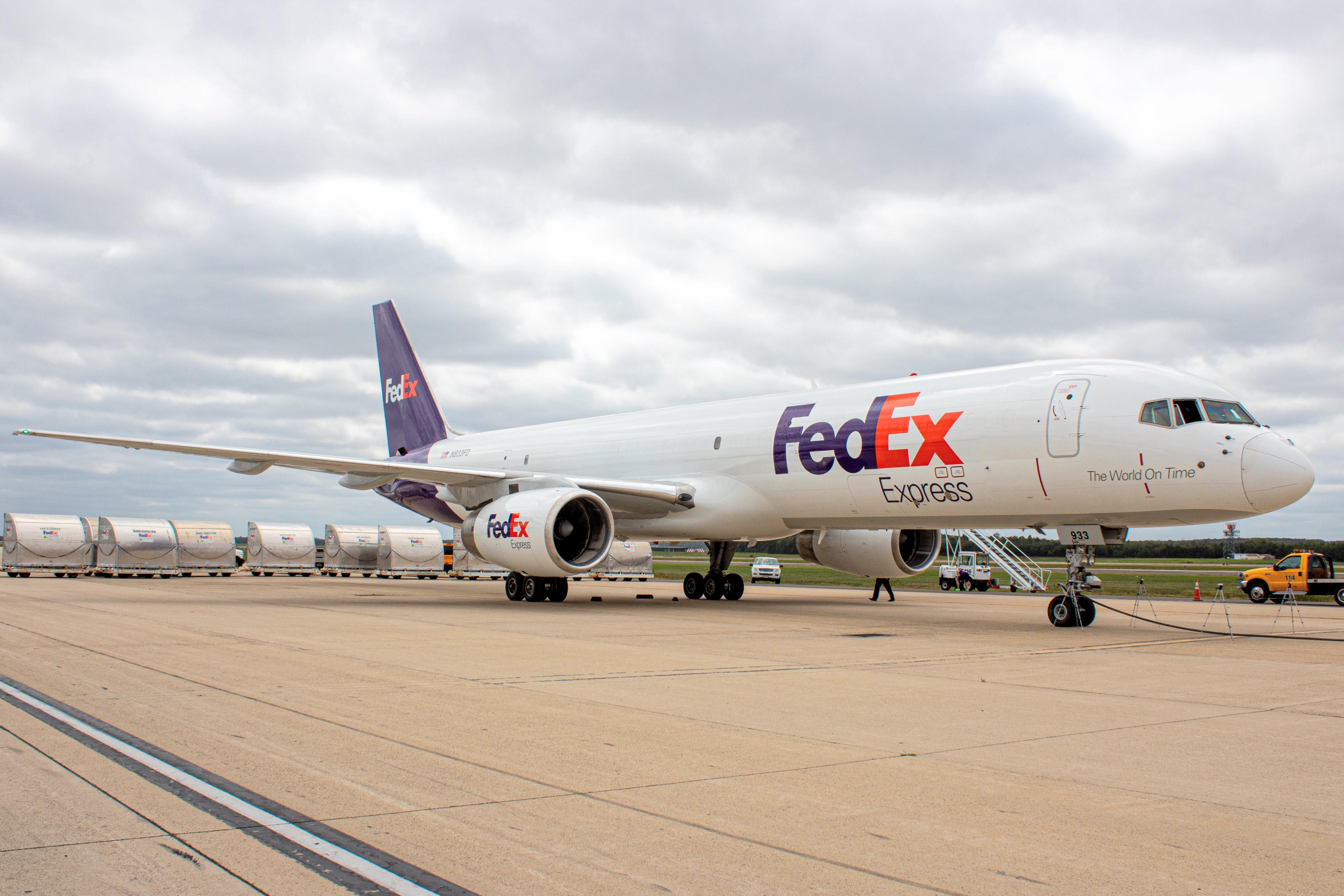 Photo of N933FD - FedEx Boeing 757-200F at IAD
