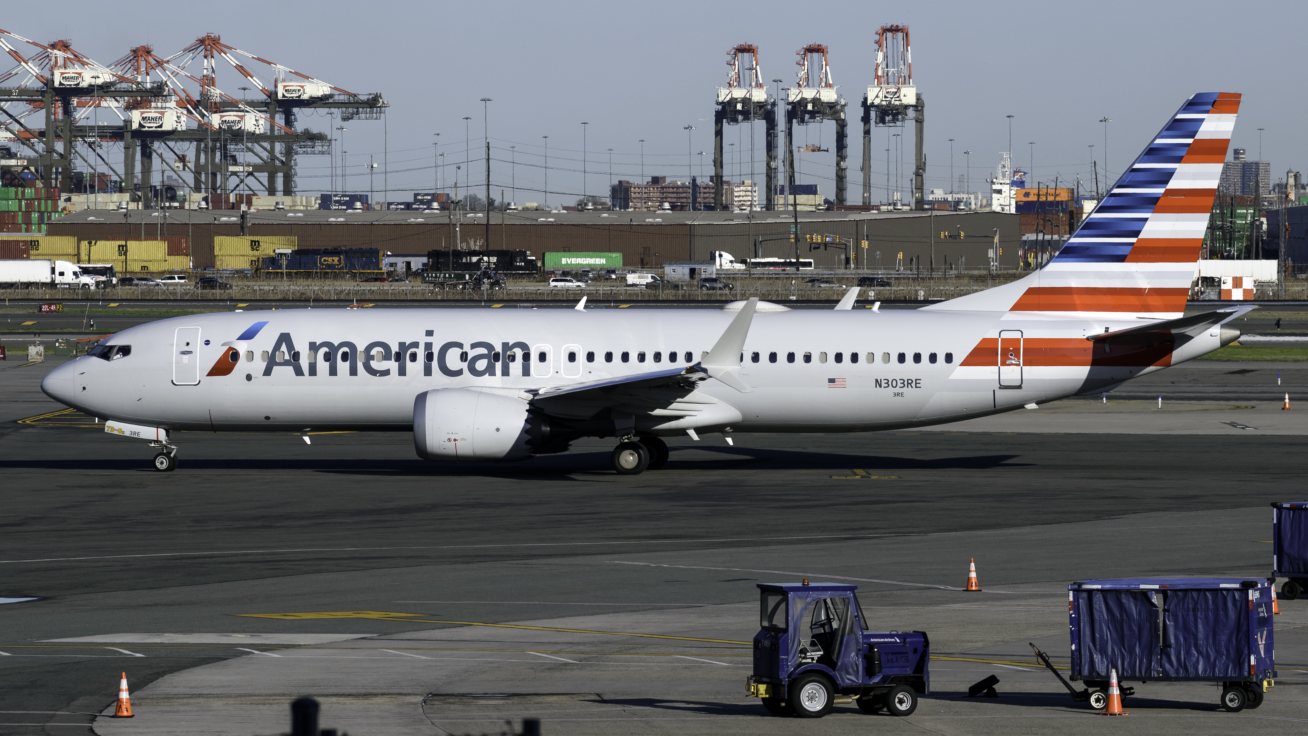 Photo of N303RE - American Airlines Boeing 737 MAX 8 at EWR