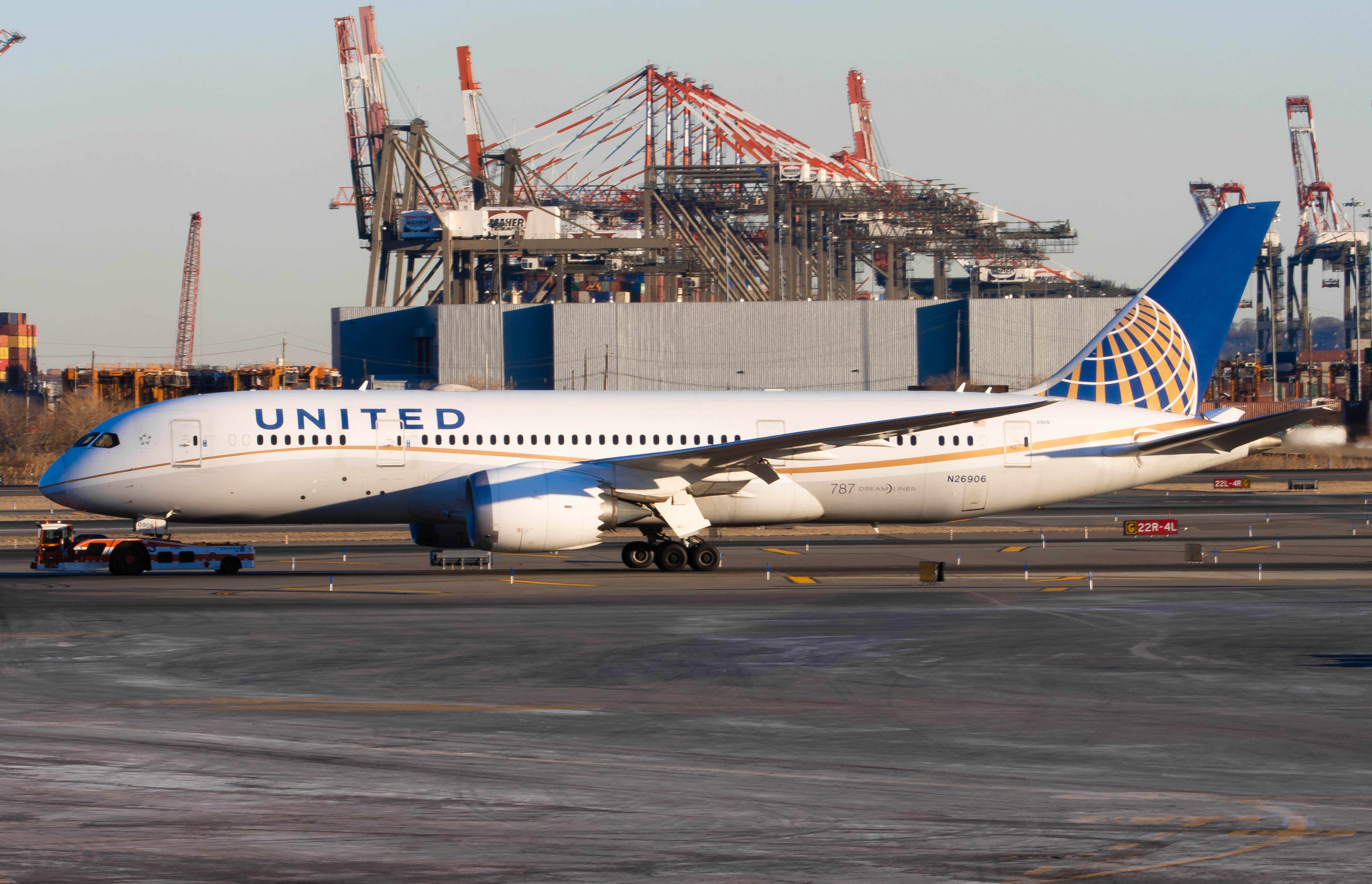 Photo of N26906 - United Airlines Boeing 787-8 at EWR