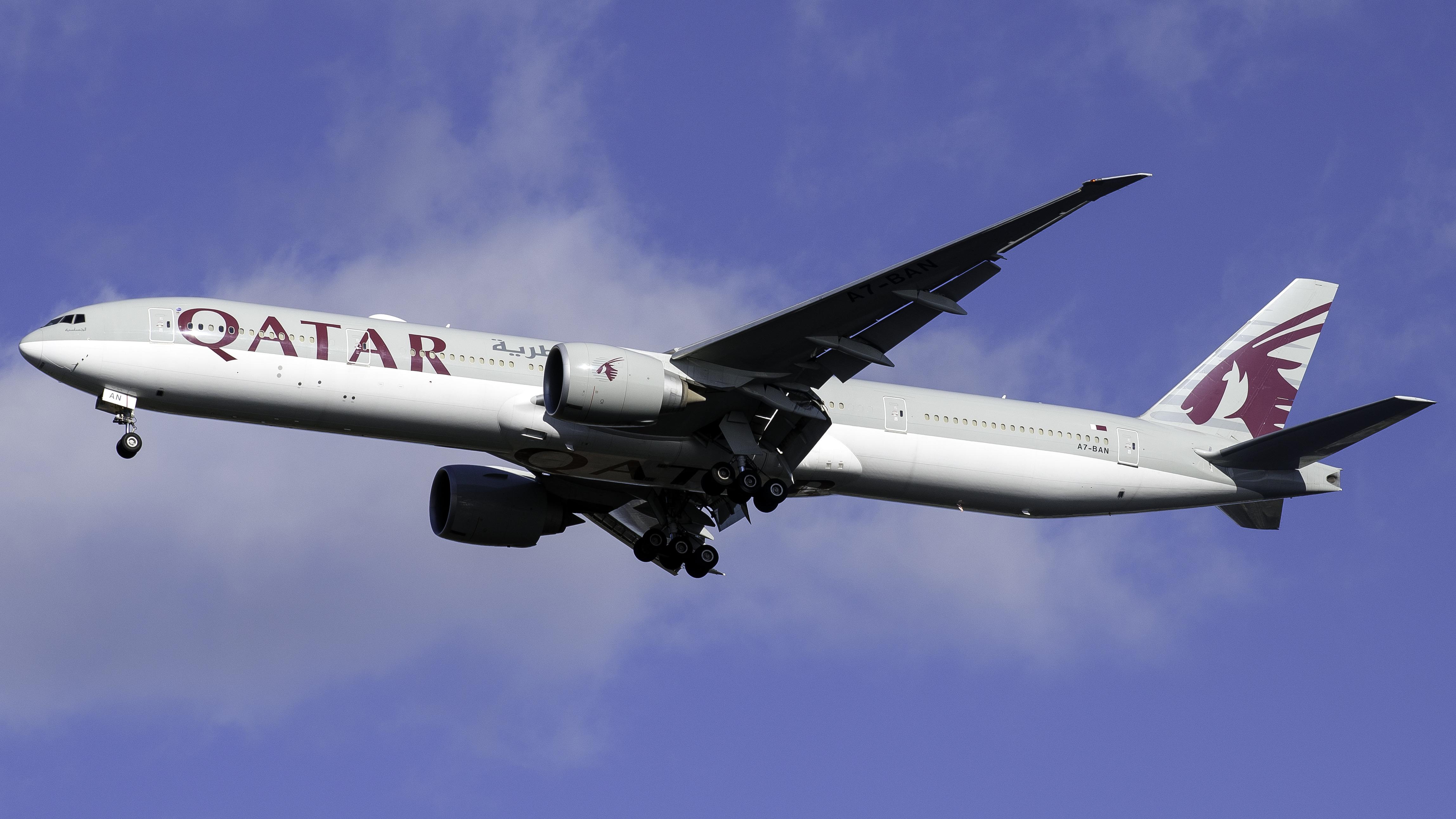 Photo of A7-BAN - Qatar Airways Boeing 777-300ER at JFK
