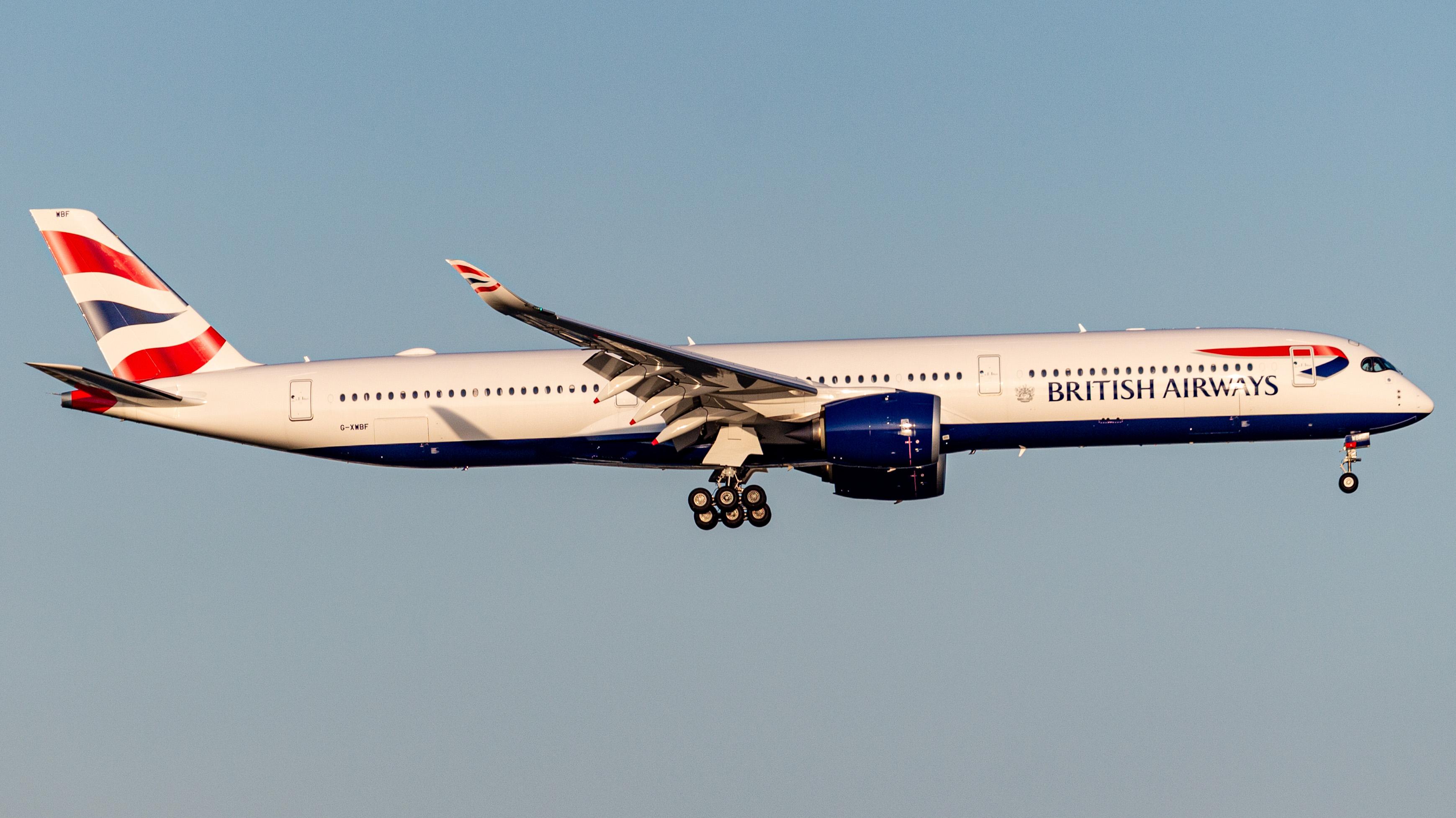 Photo of G-XWBF - British Airways Airbus A350-1000 at BOS