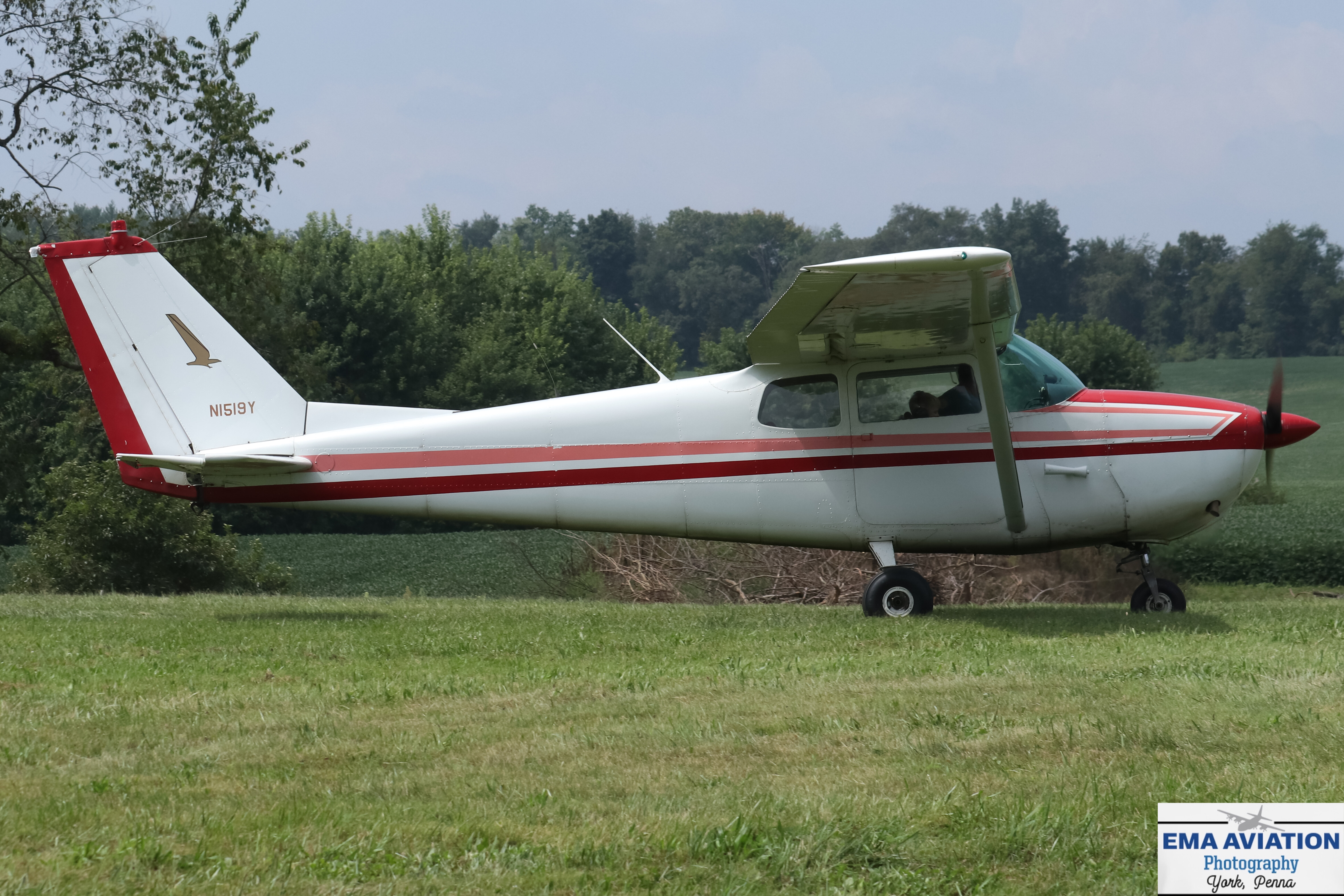 Photo of N1519Y - PRIVATE Cessna 172 at FDK
